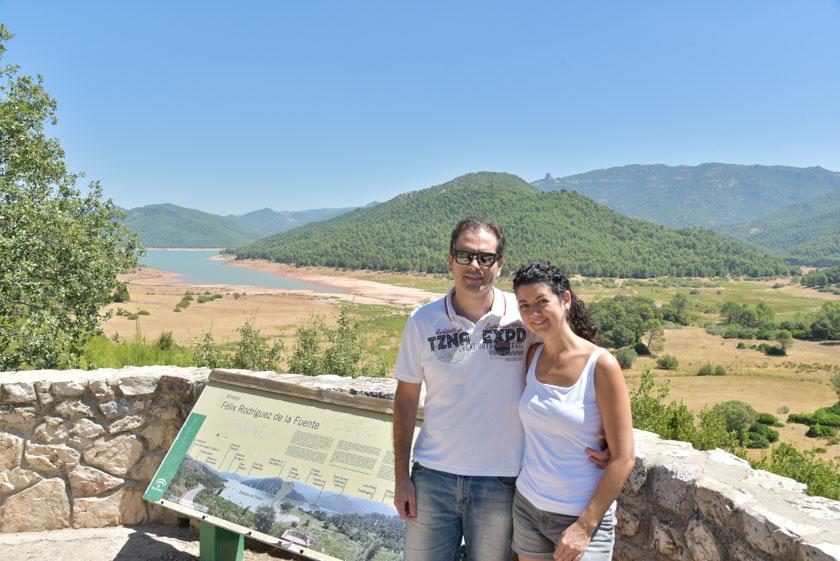 Posando en el mirador Félix Rodríguez de la Fuente al lado del pantano del Tranco