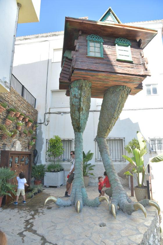 Curiosa escultura en Soportújar