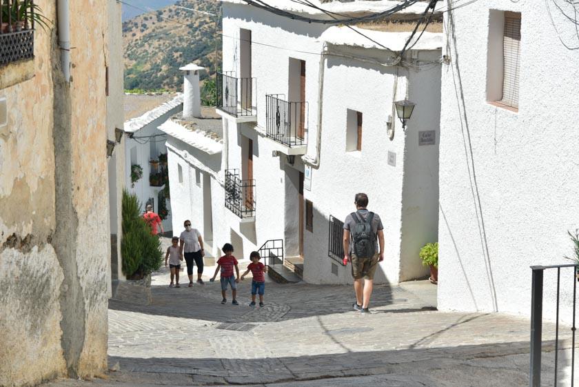 Caminando por Bubión, uno de los pueblos más bonitos de Alpujarra