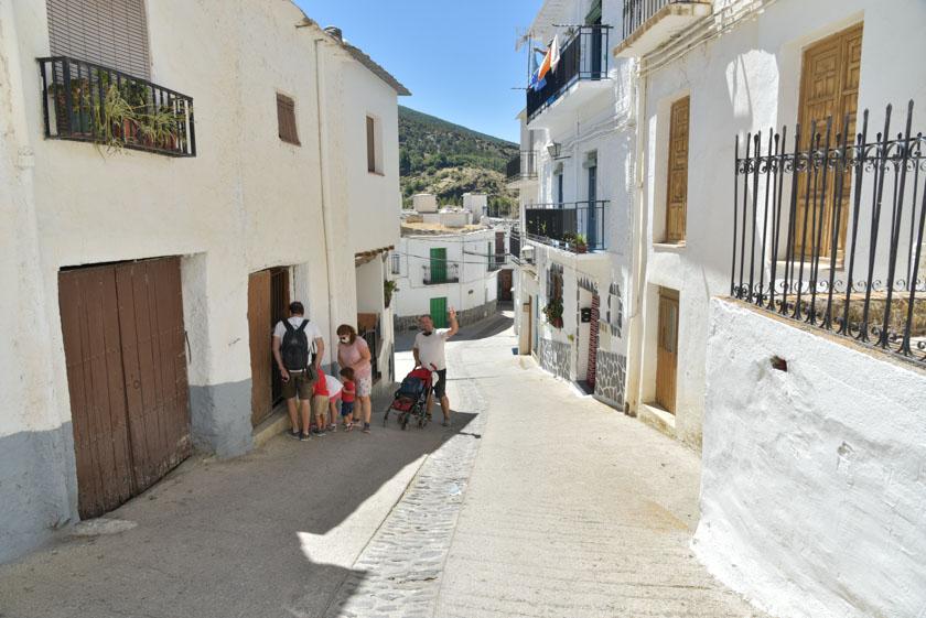 Paseando por Trevélez, otro de los imprescindibles de la Alpujarra