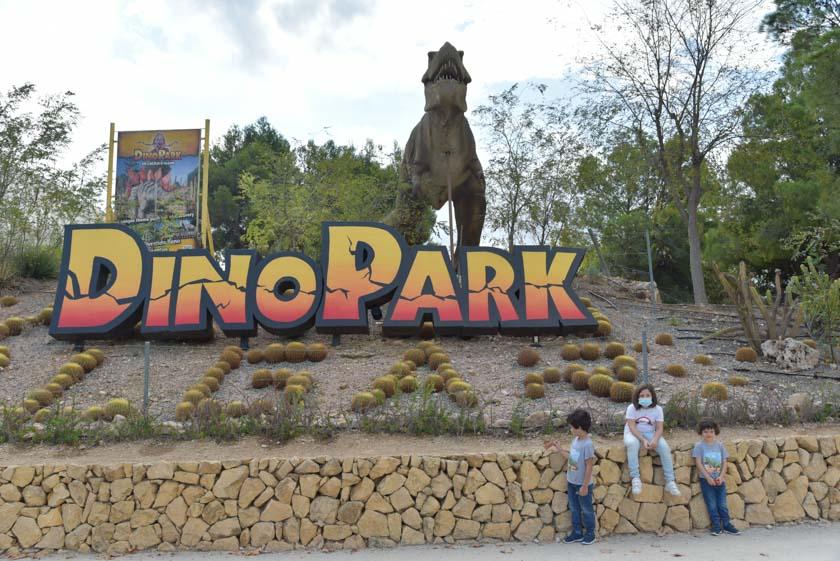 Comenzamos nuestra visita a DinoPark Algar
