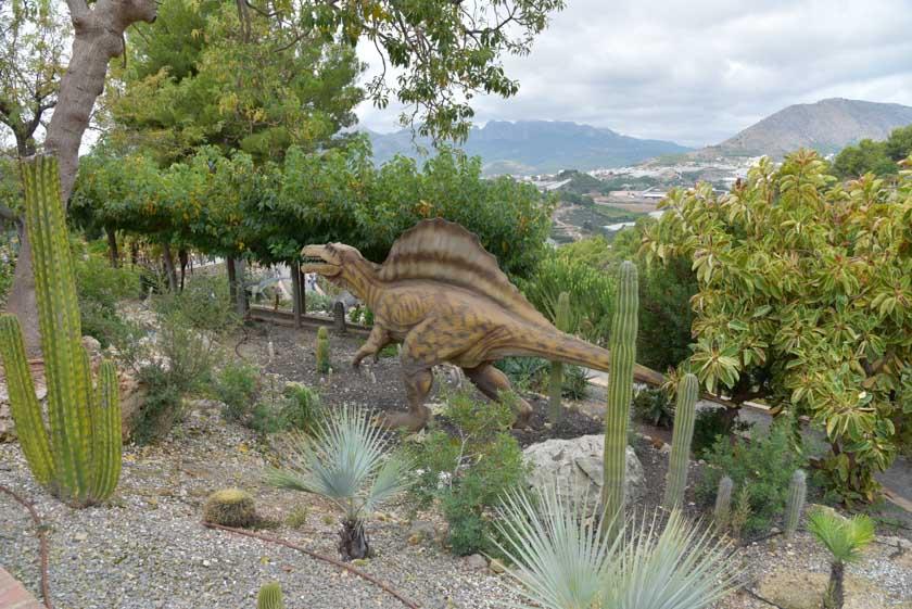 Conociendo el Spinosaurio, uno de los dinosaurios preferidos de Hugo y Daniel