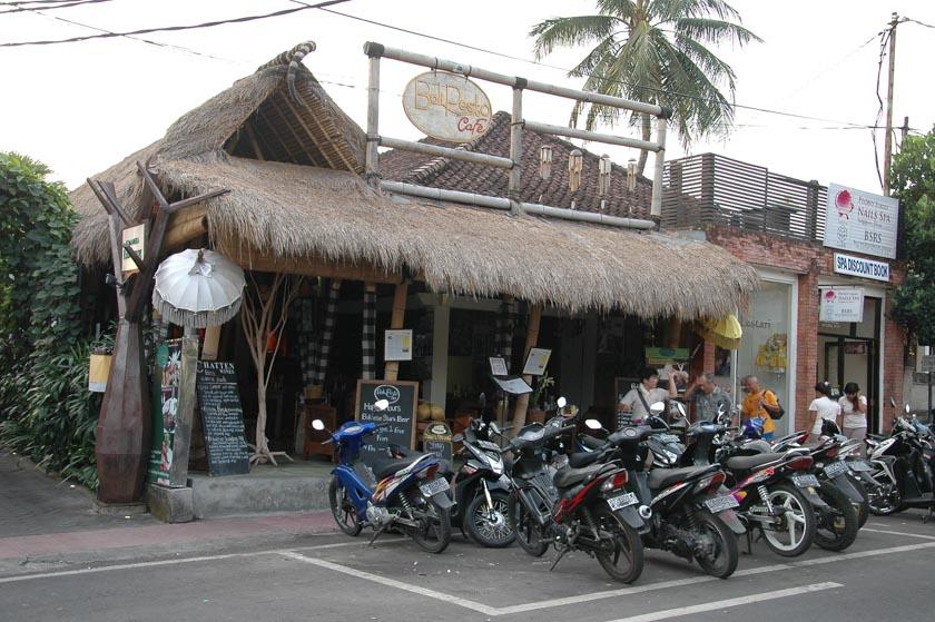 Uno de los muchos bares de la calle Monkey Forest