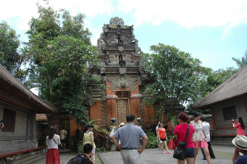 Portal de entrada al palacio de Ubud