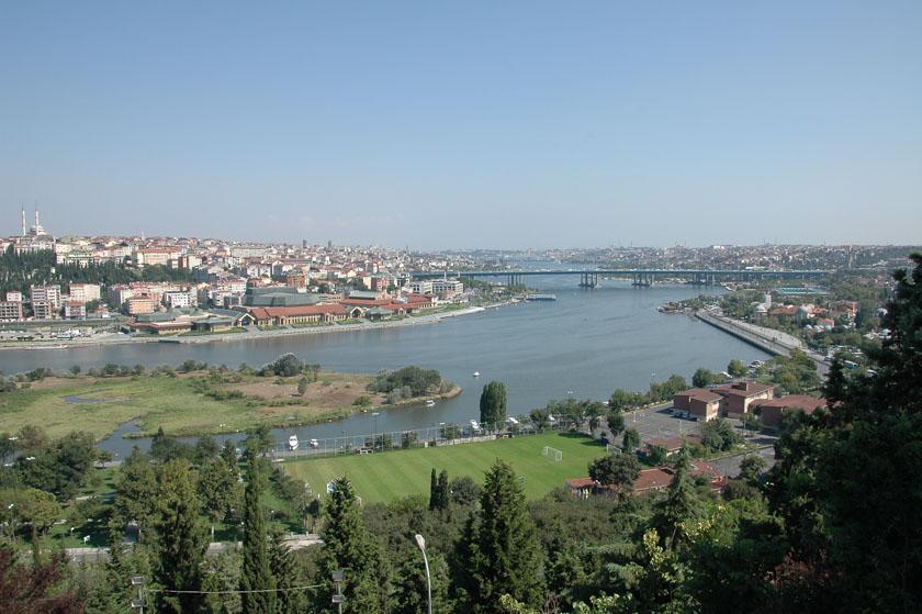 Viendo el Cuerno de Oro. Una de las vistas imprescindibles para ver en Estambúl en 5 días