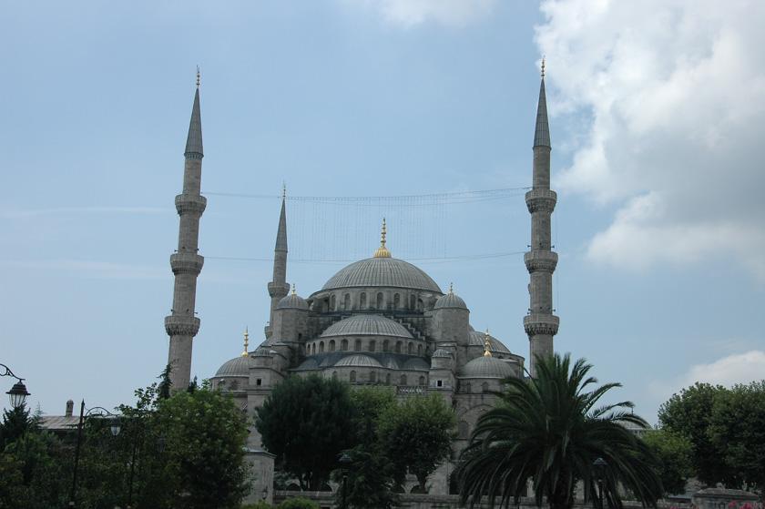 Imponente estampa de la Mezquita Azul